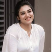 Indhuja Ravichandran Latest Hot Photos/Wallpapers in HD Quality (1080p)