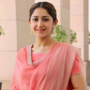 Sayesha Saigal Latest Beautiful Photos in Pink Dress