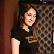 Sayesha Saigal Latest Hot HD Photos/Wallpapers (1080p,4k)