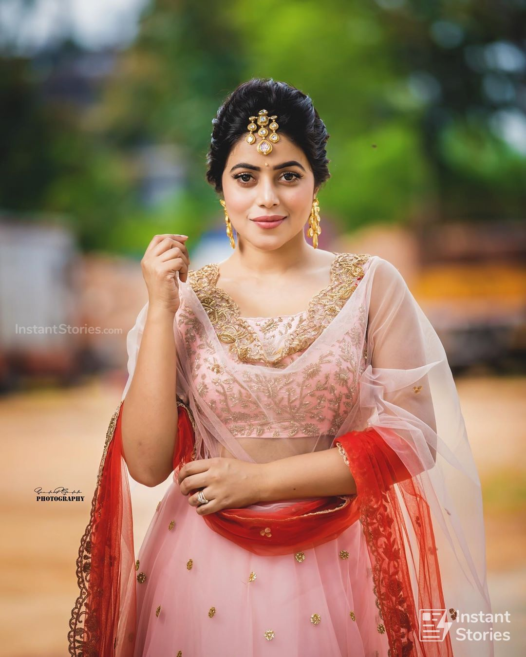 Shamna Kasim (Poorna) Hot HD Photoshoot Photos in White & Pink Dress (1080p) (16481) - Shamna Kasim (Poorna)