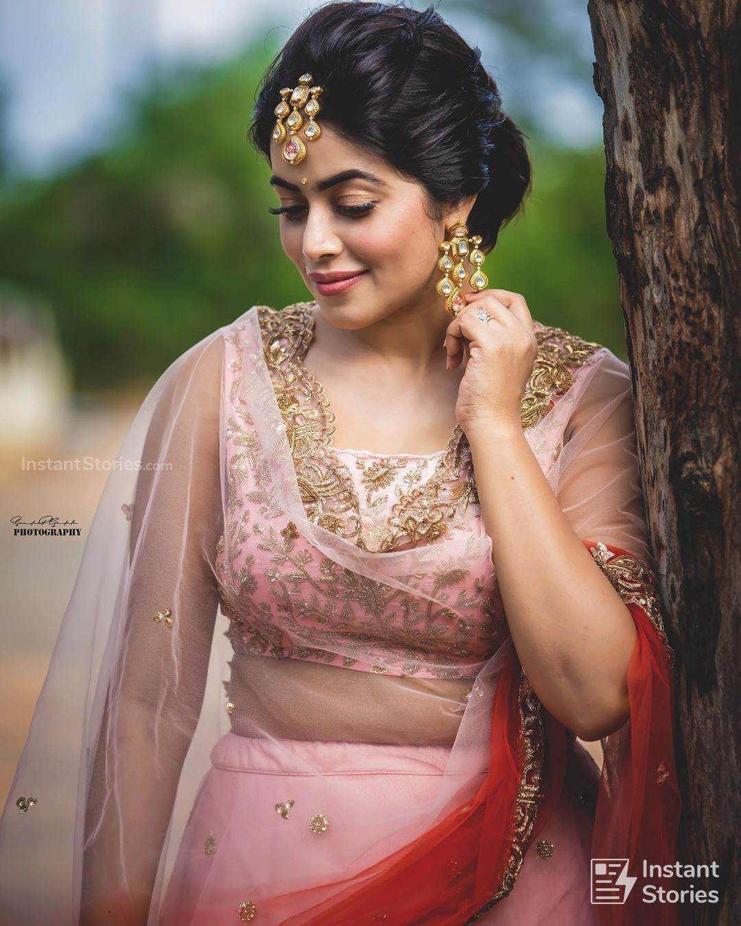 Shamna Kasim (Poorna) Hot HD Photoshoot Photos in White & Pink Dress (1080p) (16479) - Shamna Kasim (Poorna)