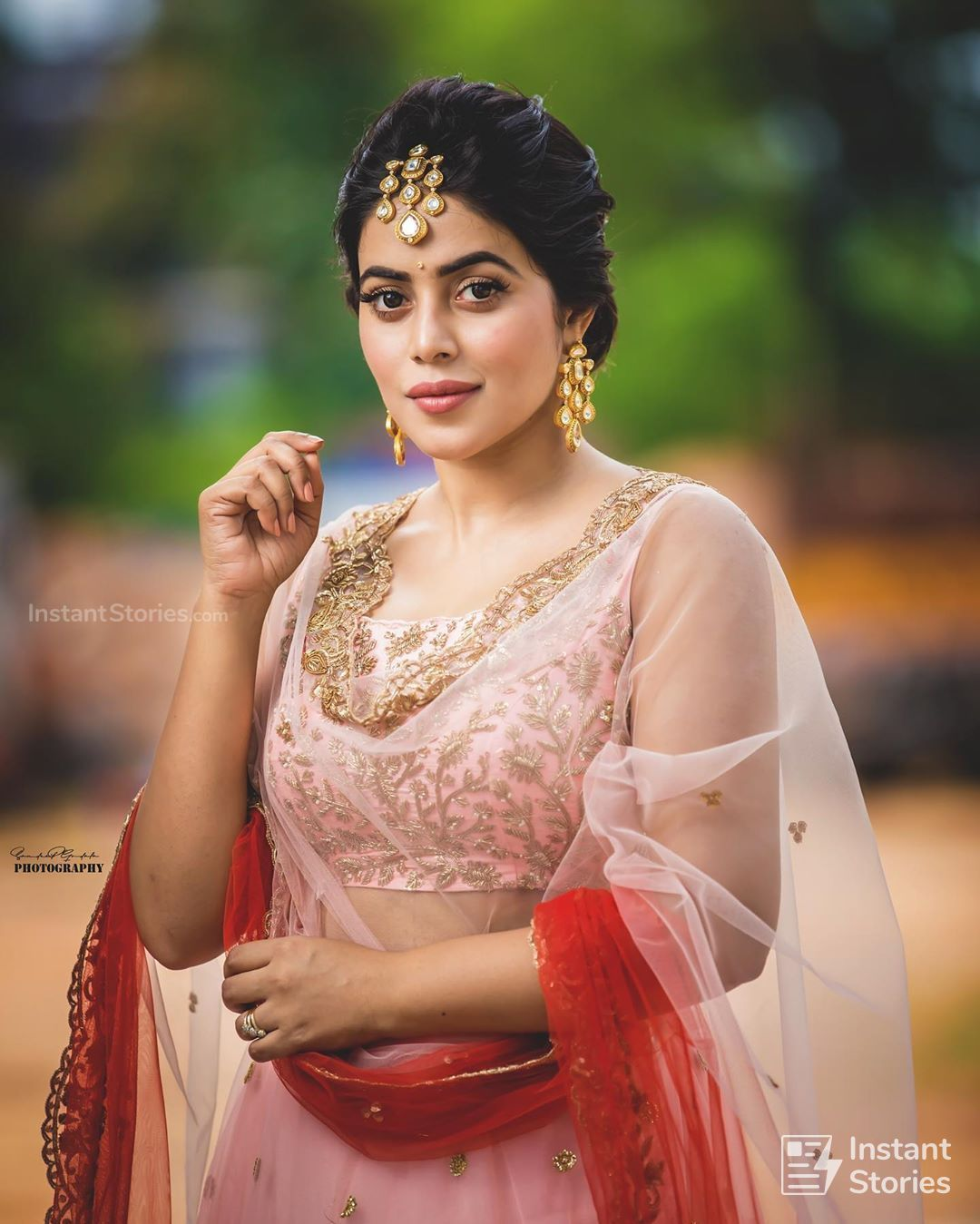 Shamna Kasim (Poorna) Hot HD Photoshoot Photos in White & Pink Dress (1080p) (16497) - Shamna Kasim (Poorna)