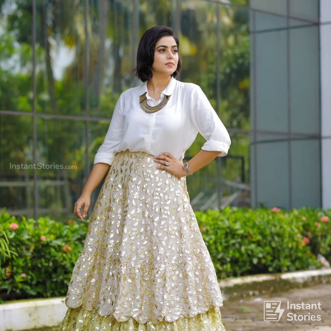 Shamna Kasim (Poorna) Hot HD Photoshoot Photos in White & Pink Dress (1080p) (16493) - Shamna Kasim (Poorna)