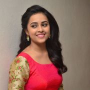 Sri Divya Latest Hot HD Photos/Wallpapers (1080p,4k)